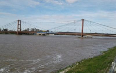 Bandera por la inclusión en el Puente Colgante. Santa Fe