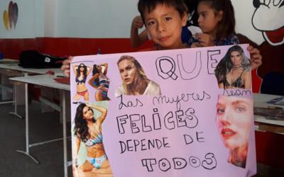 """Los niños conmemoraron el """"Día Internacional de la Mujer"""""""