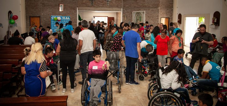 CILSA y Free Wheelchair Mission entregaron elementos ortopédicos en Puerta de Hierro