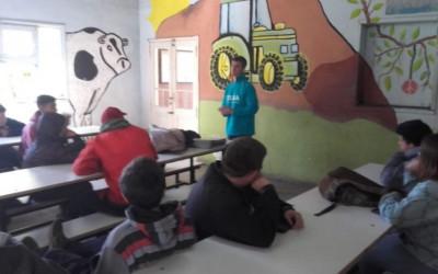 Charla con estudiantes de la Escuela Agraria