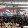 Acto de entrega en el Walmart